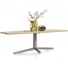 Faneur Pedestal Dining Table